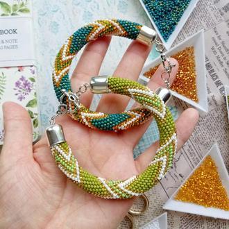 Зеленый насыщенный браслет