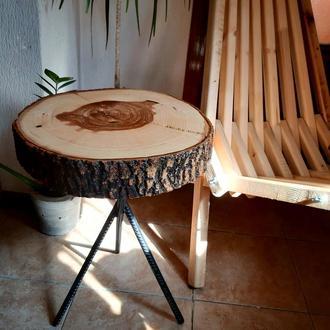 Прикроватный/кофейный/журнальный стол из среза дерева в стиле лофт