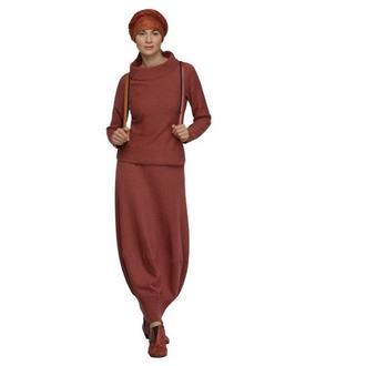 Трикотажный костюм (джемпер, юбка).