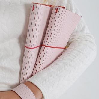 Кожаный браслет с розовой кожи от мастерской Wild