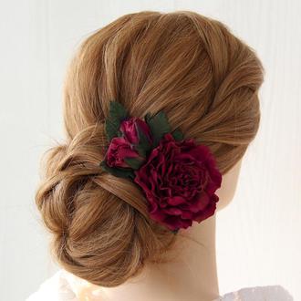 Заколка з квітами. Заколка з великою квіткою. Квітку у волосся. Бордовий квітку у волосся.