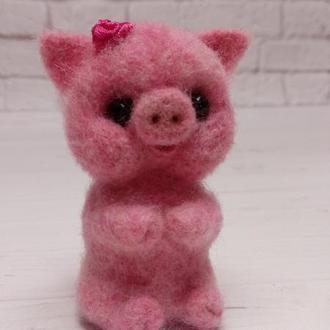 Игрушка свинка валяная. Розовый поросенок. Розовая хрюшка. Хрюша. Милая свинка. Поросята