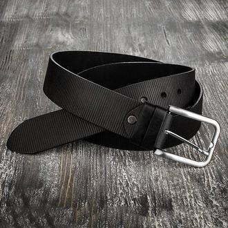 Черный кожаный мужской ремень пояс
