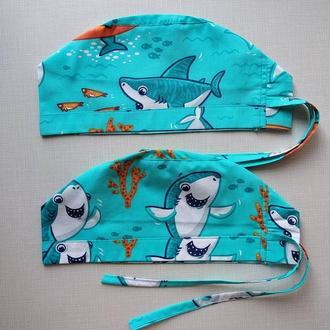 Медицинская шапочка с акулами