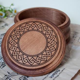 Маленькая разная деревянная шкатулка для украшений с лазерной гравировкой и персонализации