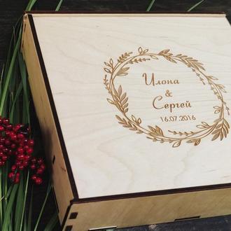 Деревянная коробочка для фотографий и флешки с именной гравировкой