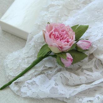 Бутоньерка для жениха. Бутоньерка для свидетеля с розовыми пионами.