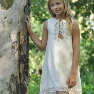 Вышитое платье для девочки ДП03-246