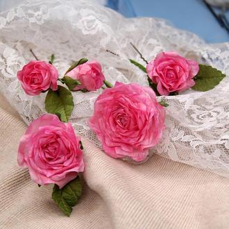 Шпильки с малиновыми розами. Заколка с цветами. Цветы в прическу.