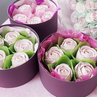Зефирные розы в шляпной коробке