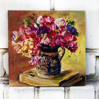 Интересная картина 20х20см Душистый горошек натюрморт с цветами и книгой по доступной цене