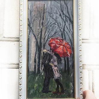 Картина маслом на оргаліт 14х29 см - Закохана пара під червоною парасолькою в парку ручна робота