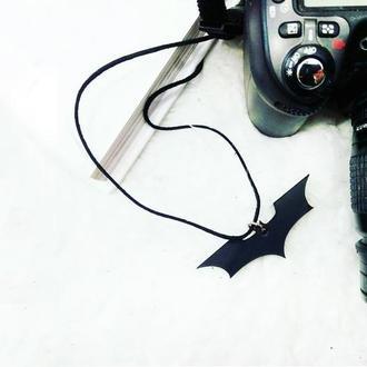 Кожаный кулон Бетмен от мастерской Wild