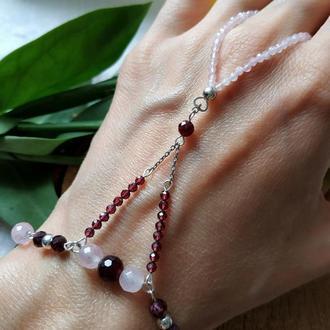 Слейв-браслет серебряный с гранатом и розовым кварцем ′Флоренция′