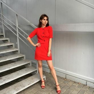 Красный льняной костюм