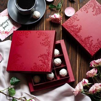 Коробка для конфет Бордо с узором