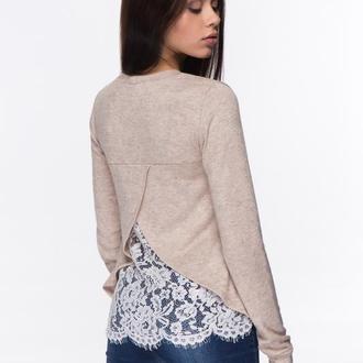 Ангоровый свитер с кружевом на спине