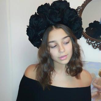 корона - венок из чёрных атласных  роз