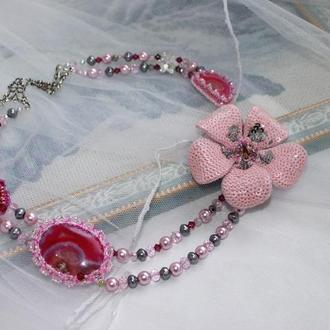 """Розовое колье из агата, кристаллов и бисера """"Аленький цветочек"""""""