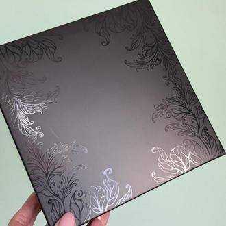 Коробка черная подарочная