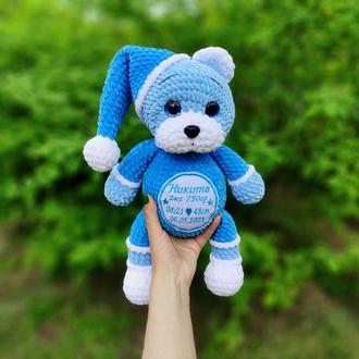 Именная вязаная игрушка мишка для мальчика, игрушка с метрикой на выписку, вязаный плюшевый мишка