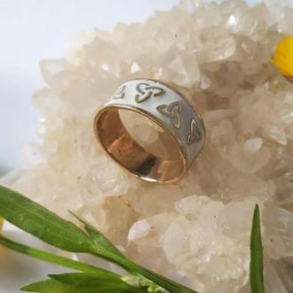 Кольцо Триглав из латуни с белой эмалью