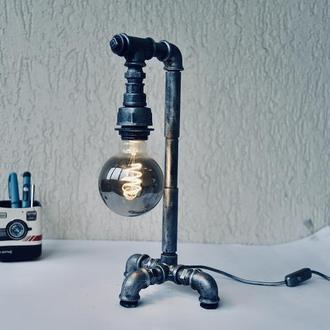 Лофт настольный светильник ручной работы из металла