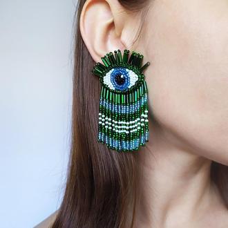Зеленые серьги глаза. Серьги бахрома из бисера.