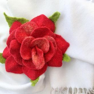 Брошь роза, войлочная брошка валяние красный цветок
