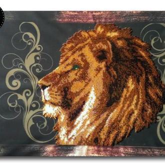 Картина вышитая бисером на подрамнике Гордый лев от Пушка Наталия