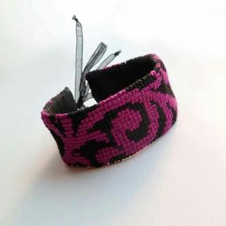 "Вышитый браслет ""Pinkbranch"""
