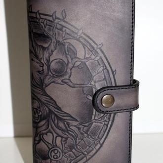 Мужской кожаный кошелек с рисунком