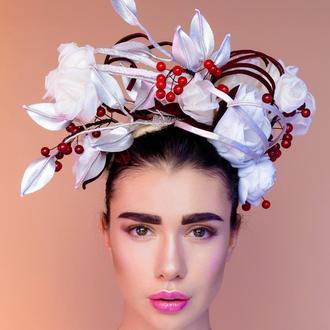 Обруч-венок с цветами из ткани и кожи ′Аша′