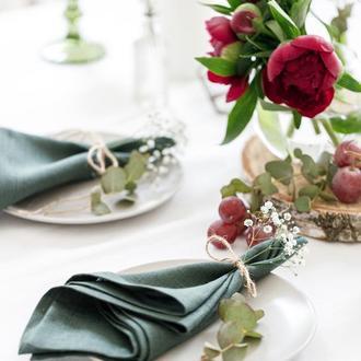 Льняные салфетки для стола в оливковом оттенке. Набор из 2 штук