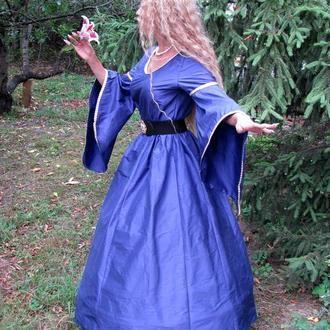 Эльфийское платье с фантазийными рукавами