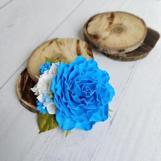 Заколка с цветами в бело-голубых тонах, подарок девочке