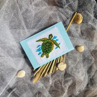 Черепашка на море