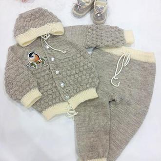 Дитячий костюм для новонародженого на виписку (кофта, штани, пінетки)