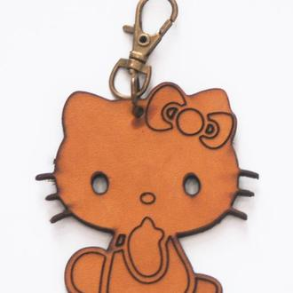 Кожаный брелок Kitty от мастерской Wild
