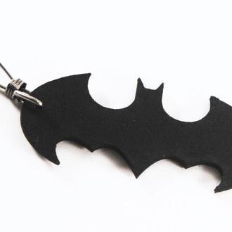 Кожаный черный брелок Batman от мастерской Wild