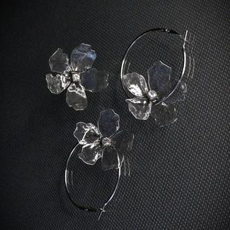 Серьги - кольца и колечко с цветами ручной работы.