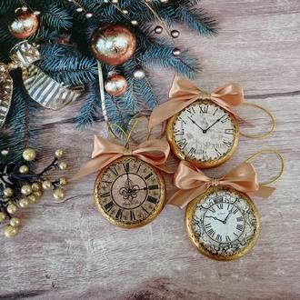 Набір новорічних іграшок на ялинку - вінтажні годинник