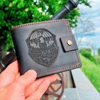 Именной кожаный кошелек короткий Classic (для мужчин)