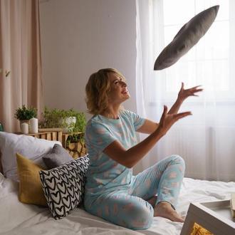 Пижама с футболкой и штанами из мягкого трикотажа для сестры/подруги/мамы на подарок