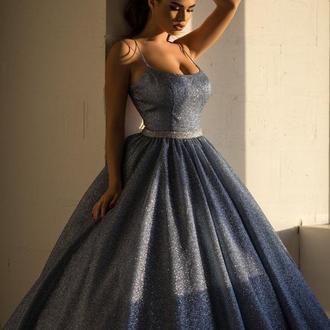 Пышное блестящее платье La Novale 002