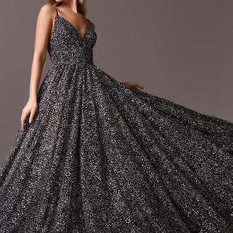 Шикарное пышное платье La Novale 005