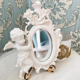 Интерьерное маленькое зеркало с ангелом