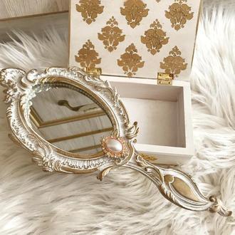 Ручное старинное зеркало для макияжа