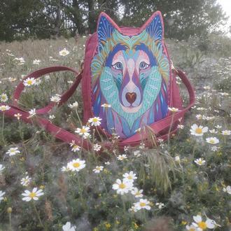 Вышитый рюкзак розового цвета. Вышивка волк