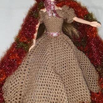 Ажурное вязаное бальное шоколадное платье и бордово-меланжевый плащ ручной работы на Барби